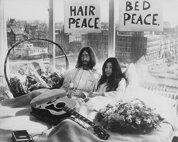 Yoko Ono John Lennon Hotel Hilton Amsterdam 1969