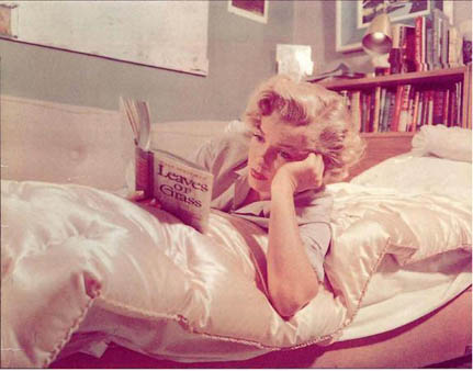 Eve Arnold Marilyn Monroe reading Leaves of Grass